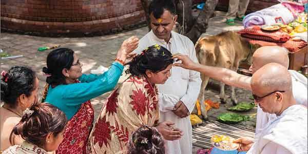 Daan Punya Kholta Hai Mokesh ke Dwar Janiye Kese